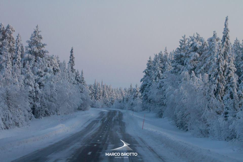 Estradas congeladas , nosso caminho atras das Auroras Boreais.