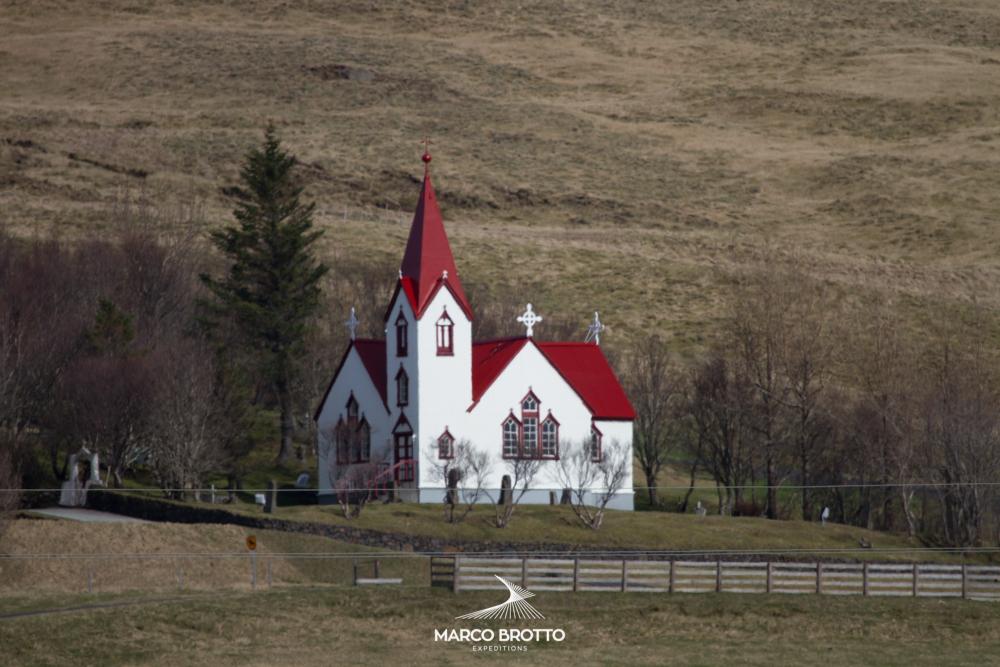 expedicao-aurora-boreal-islandia-igreja