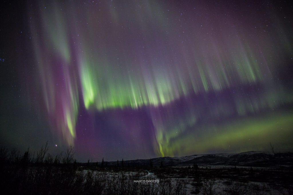 Cores purpuras quando fotografar aurora boreal