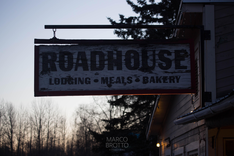 A famosa placa do RoadHouse