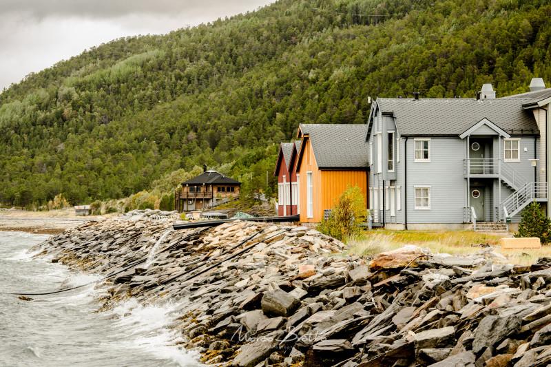 Paisagem típica dos fjords escandinavos . Aurora Boreal Noruega