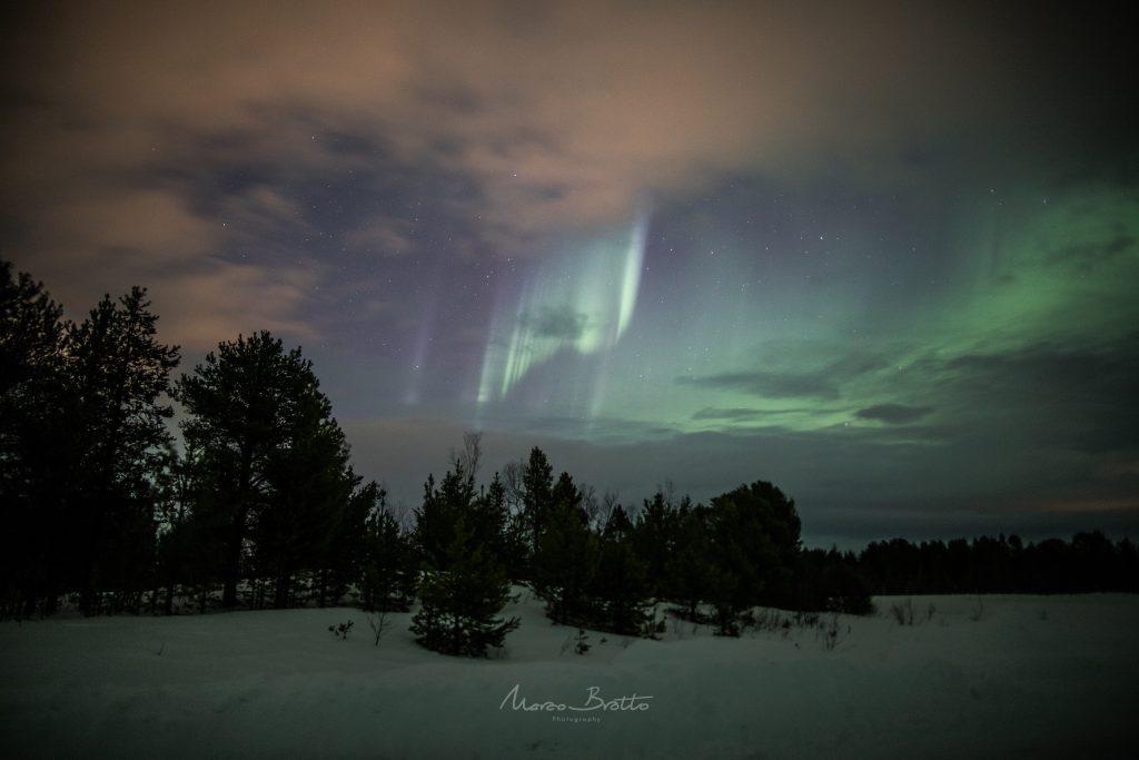 linda aurora boreal na lapônia noruega