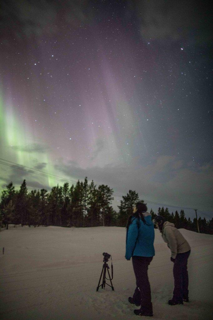 aurora boreal na lapônia 2017 verde e roxa