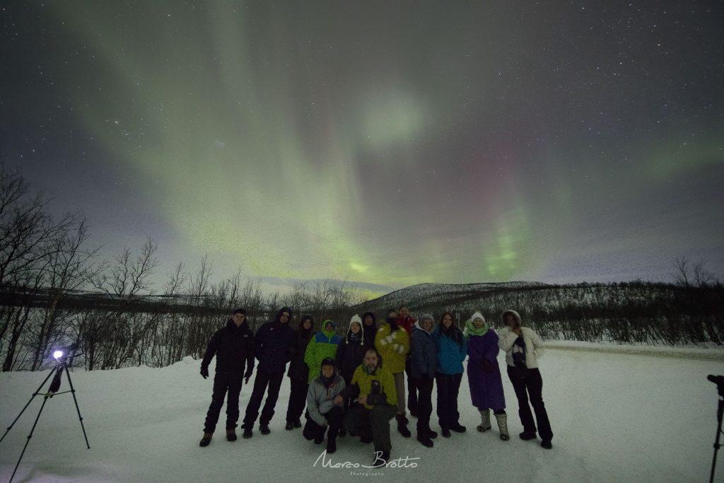 grupo para caçar aurora boreal na lapônia