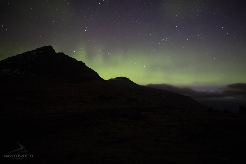 aurora boreal na ilhas faroé